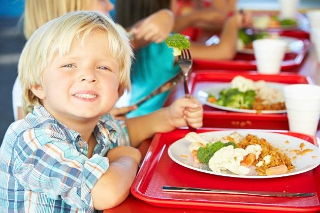 Kids Enjoying Healthy Lunch