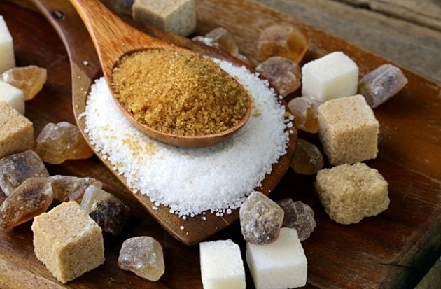 Various kinds of sugar, brown, white and refined
