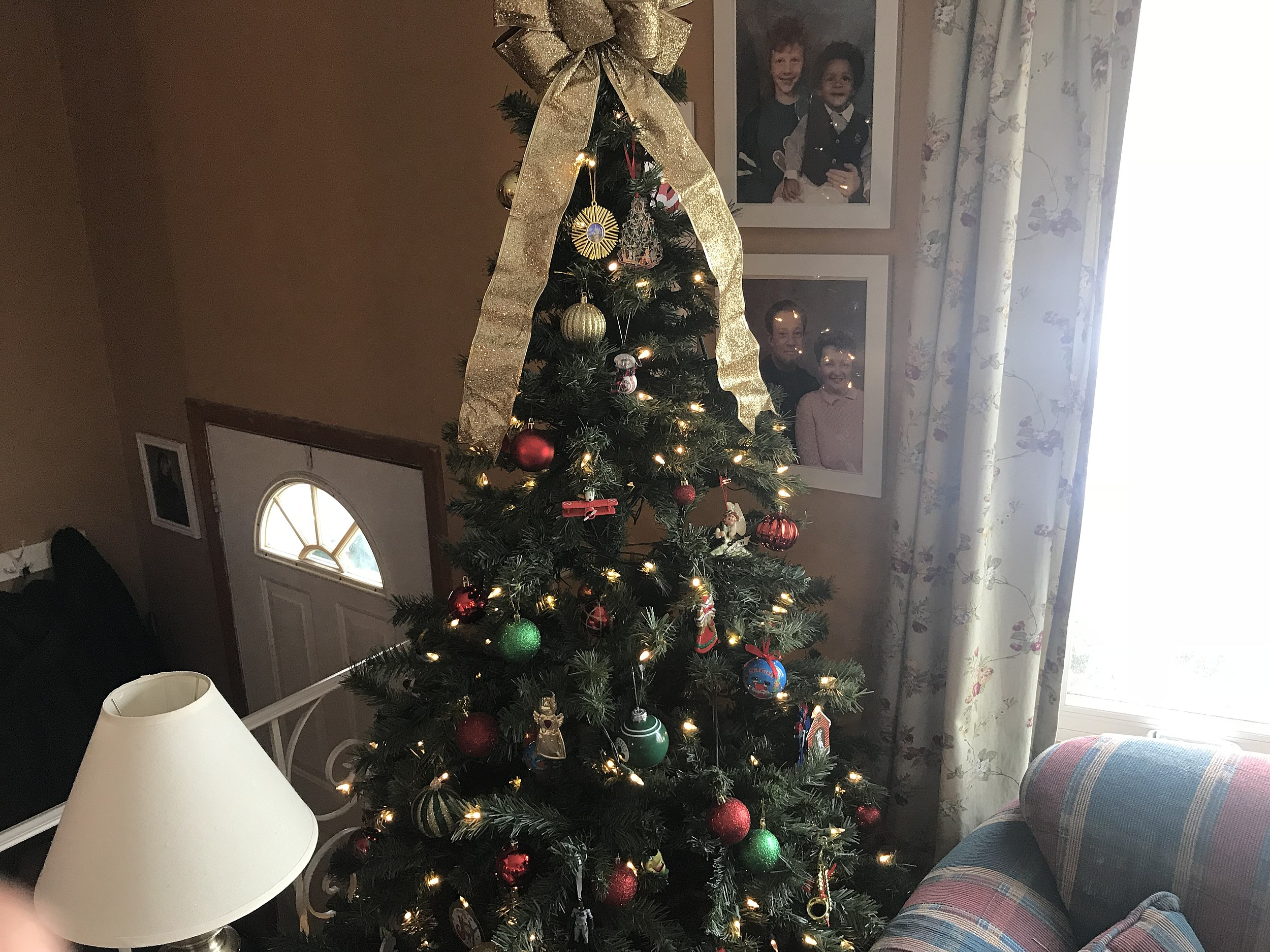 5 reasons why fake christmas trees are better